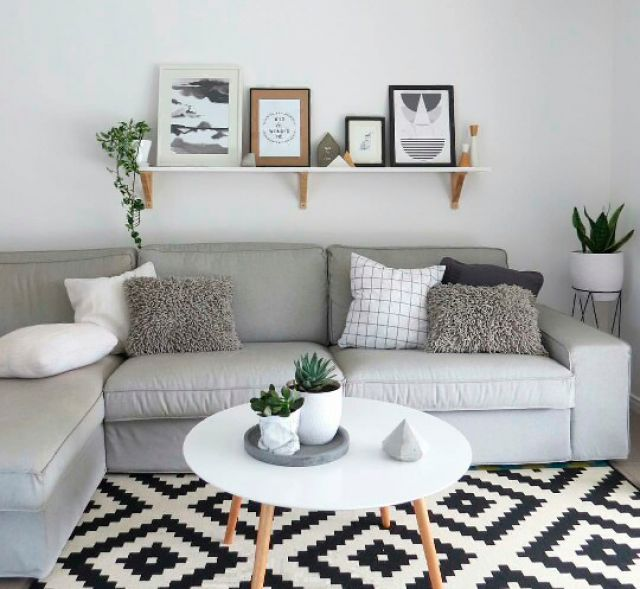 wohnzimmerregal aus rohren und holzbrettern diy wohnzimmer pinterest wohnzimmer haus und. Black Bedroom Furniture Sets. Home Design Ideas
