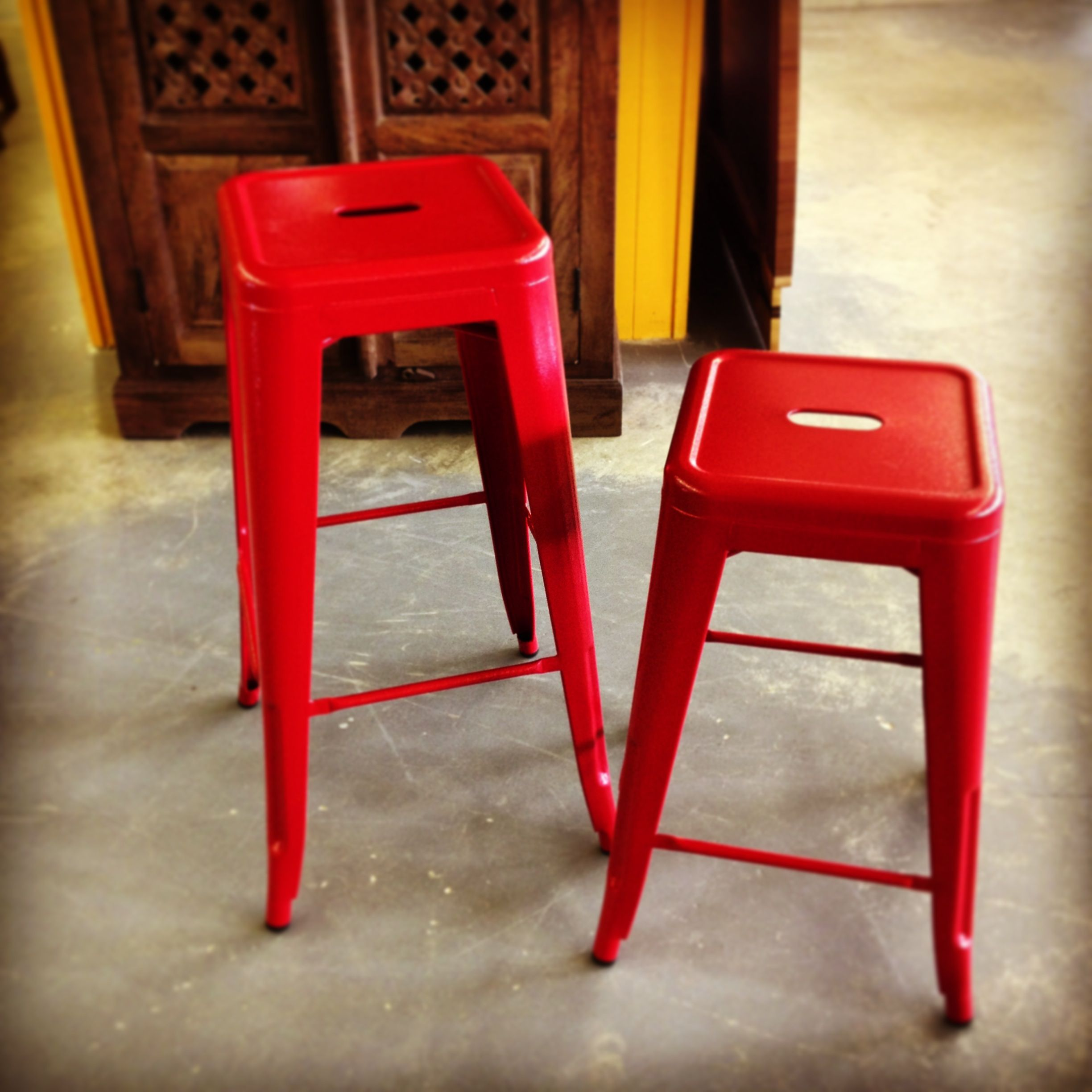 Powder Coated Metal Bar Stools In Counter And Bar Height