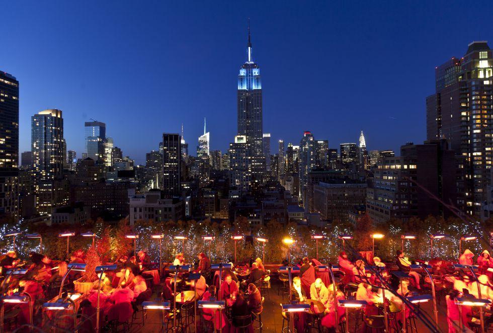 Nueva York De Azotea En Azotea A Toast In A View Brindar