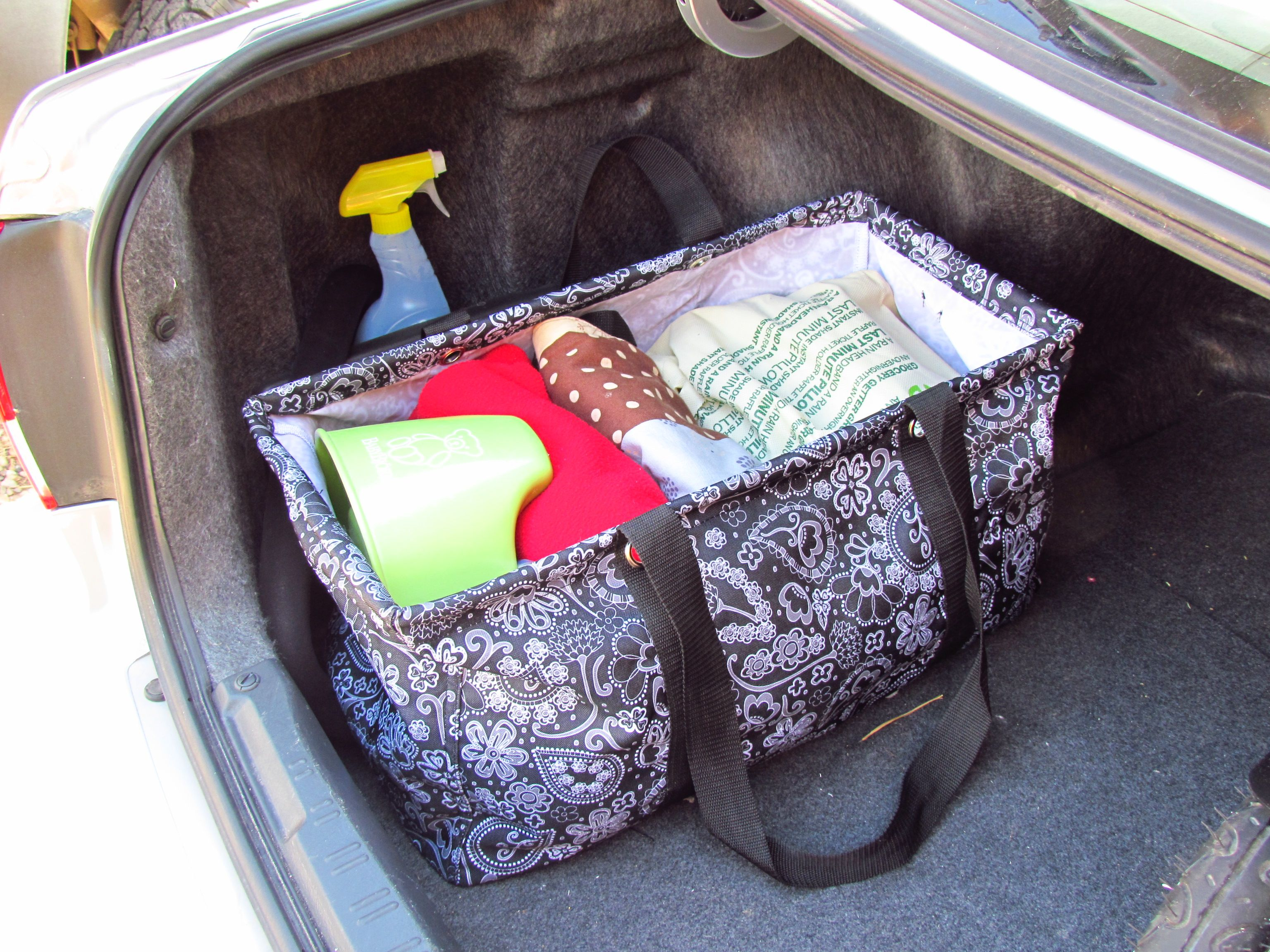 Organized Trunk! (Thirty-One Large Utility Tote) I have all my ...