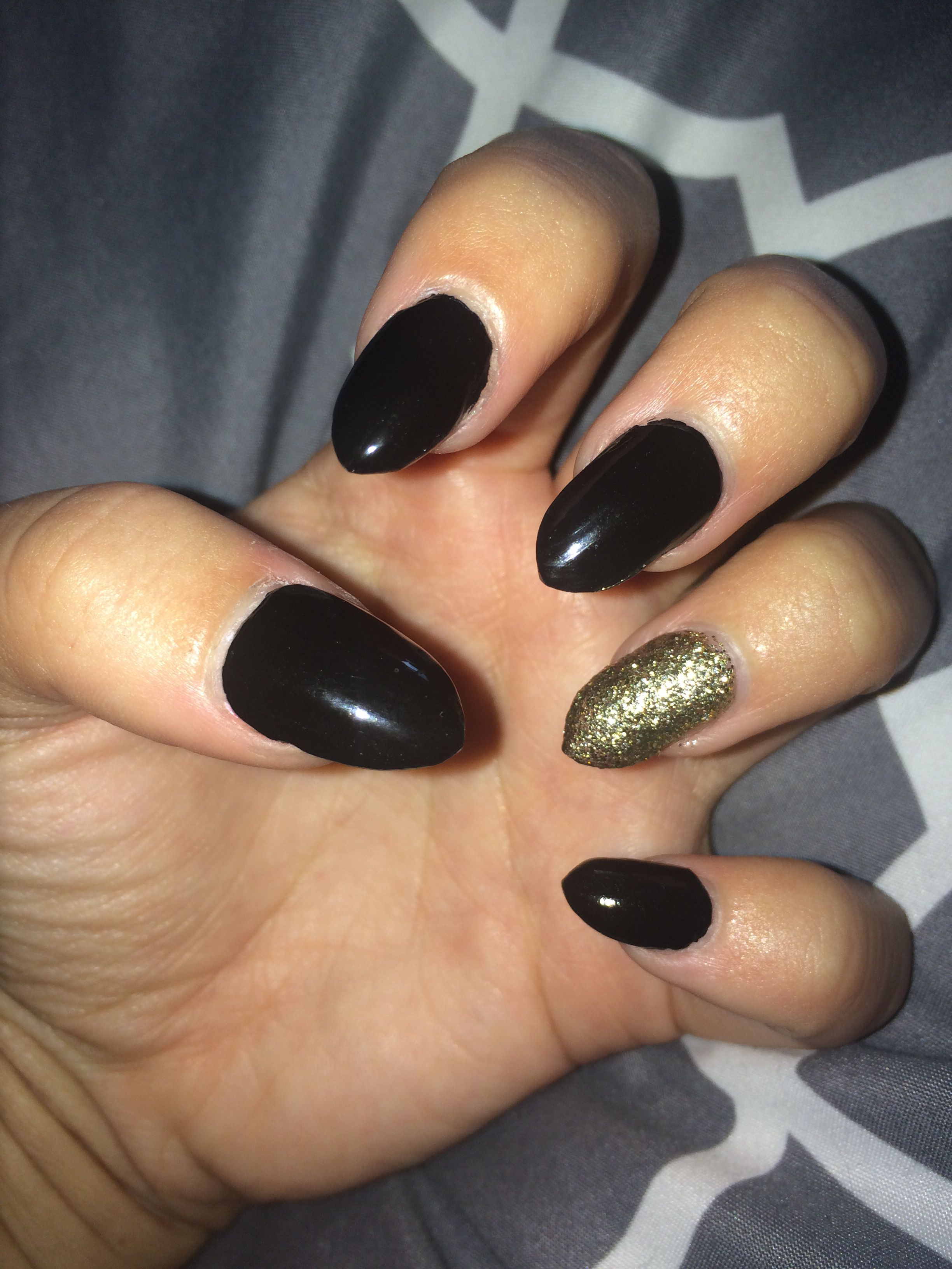Black and gold almond acrylic nails prom pinterest nails