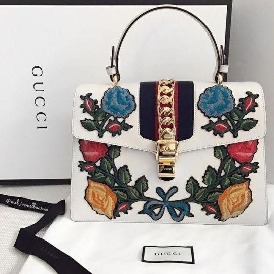 Damenhandtaschen und -taschen: Gucci bei Luxury & Vintage Madrid, der führenden Modeshopping-Website – Fashion Inspire | Fashion Inspiration Magazine, Beauty-Ideen, Luxus, Trends und mehr