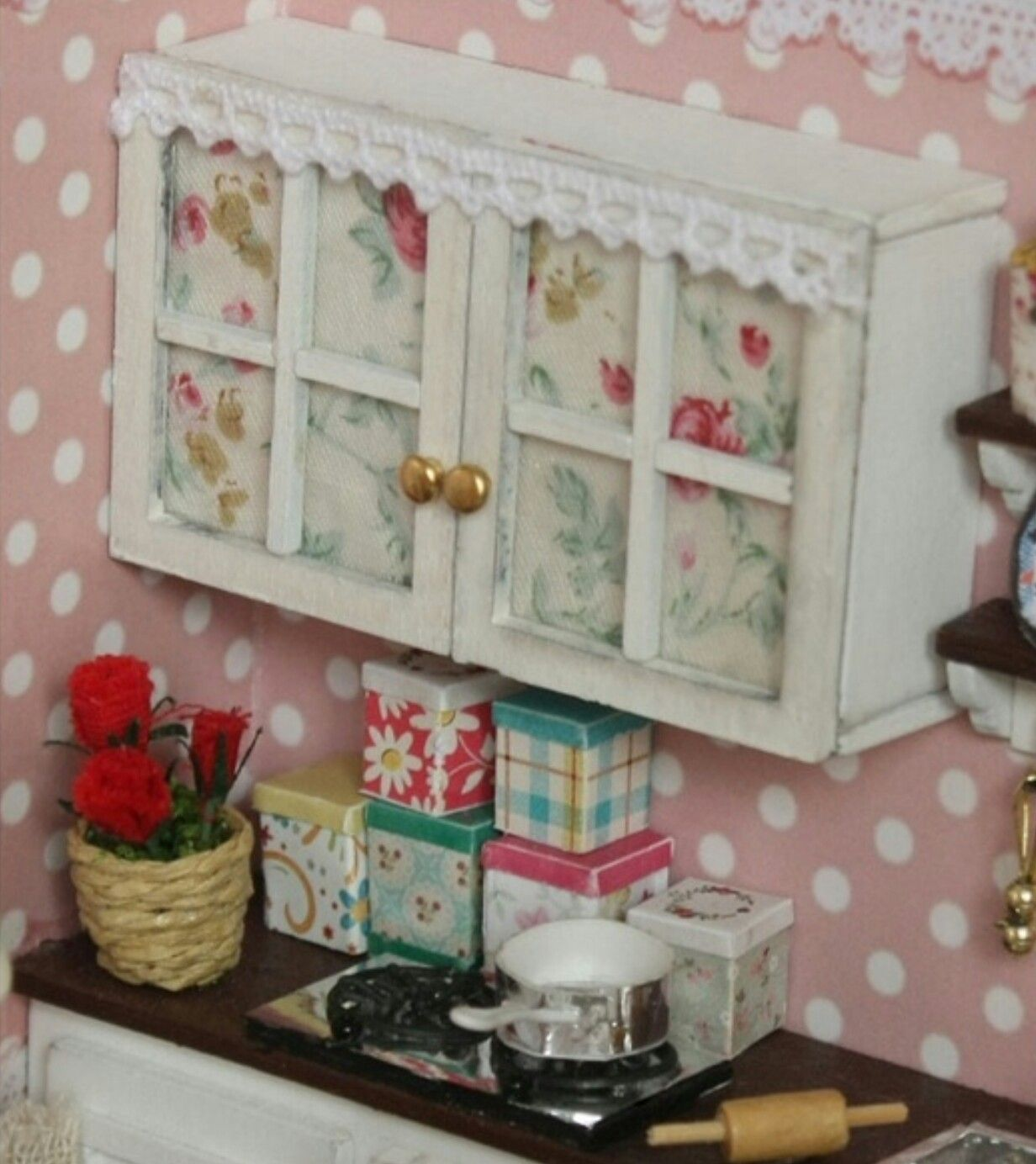 building doll furniture. Dollhouses, Diy Doll House, Wooden Dollhouse, Dollhouse Kits, Model Building, House Miniatures, Reading Room, Houses, Dolls Building Furniture S
