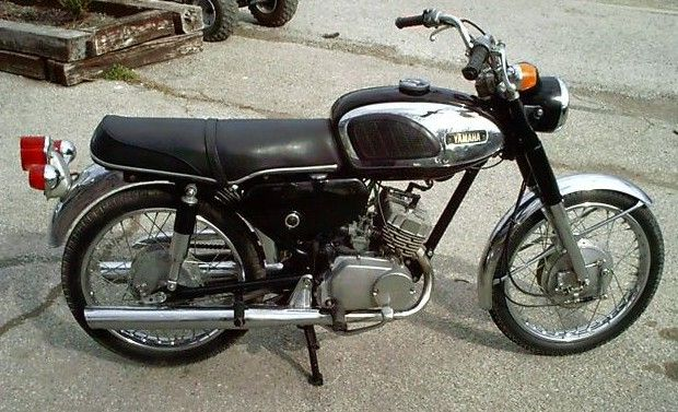 Another Retro Bike The Yamaha 180 Retro Bike Old Bikes Bike