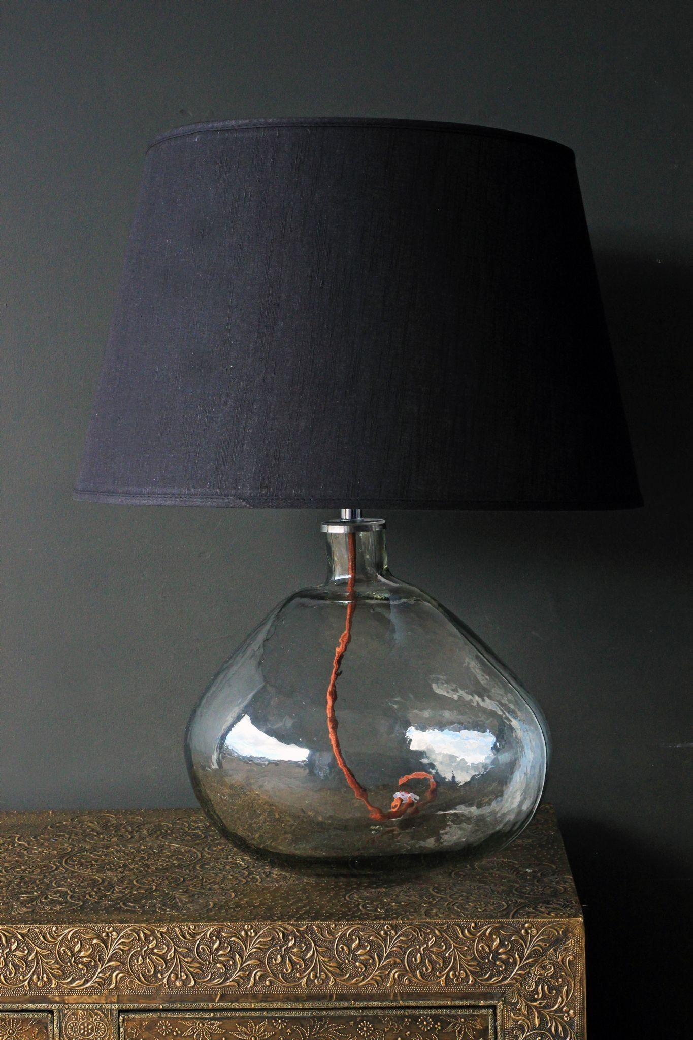 PAIR OF OPAQUE GLASS TABLE LAMPS