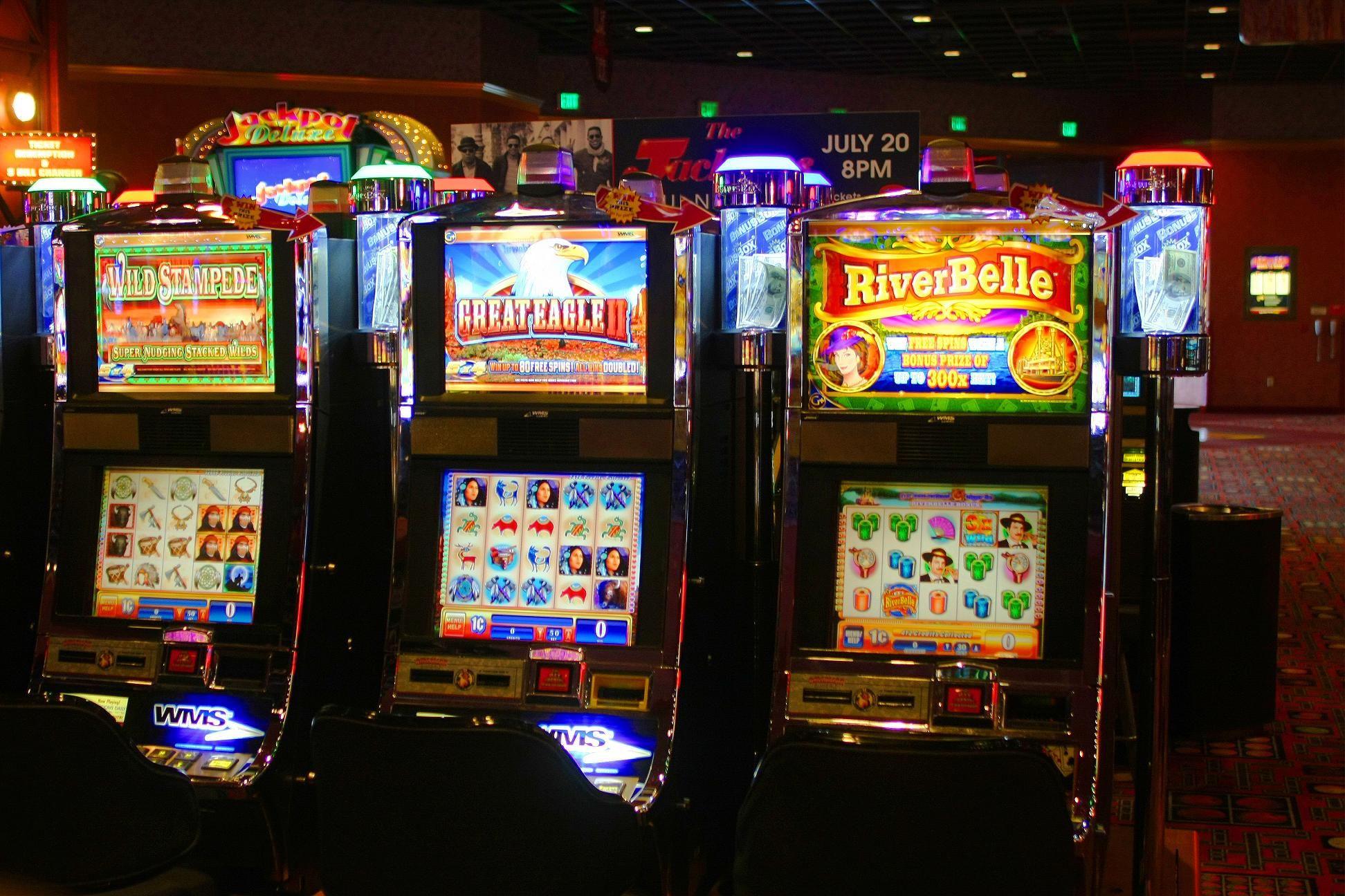 Играть бесплатно в игровой автомат гараж