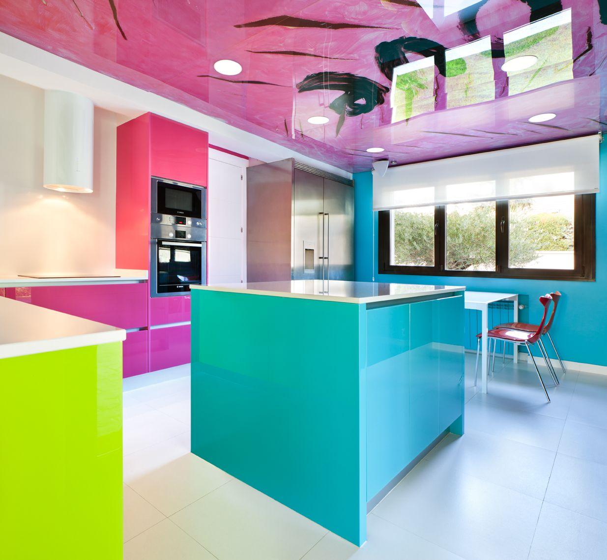 Moretti Con Logos El Color En La Cocina Cristal Lacado Fucsia  ~ Cristales Decorados Para Cocinas