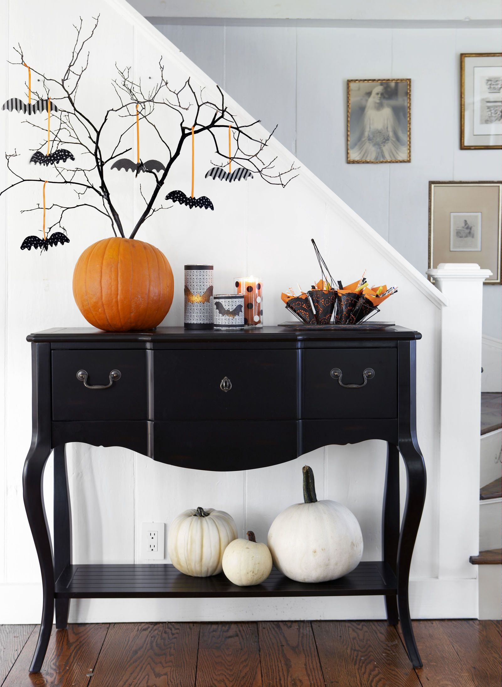 60+ Pumpkin Decorating Ideas and Designs for Halloween Pinterest - black and white halloween decorations