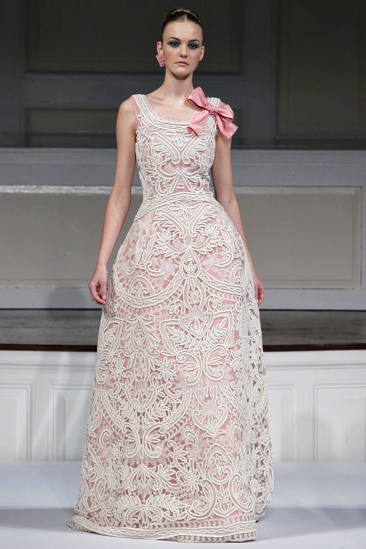 Oscar de la Renta Spring 2011 Ready-to-Wear