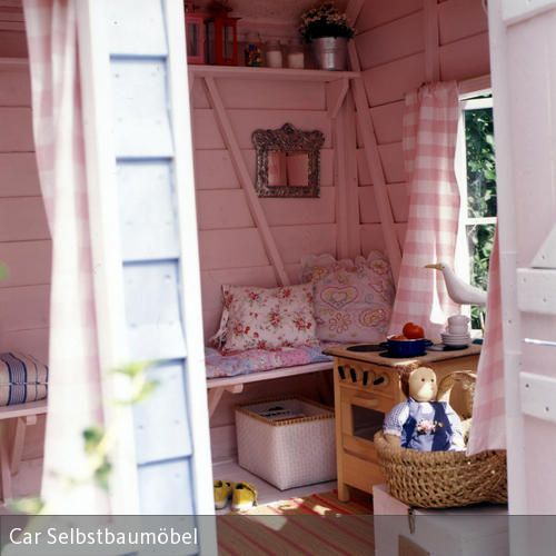 kinderspielhaus gestalten kinderspielhaus rosa und gestalten. Black Bedroom Furniture Sets. Home Design Ideas