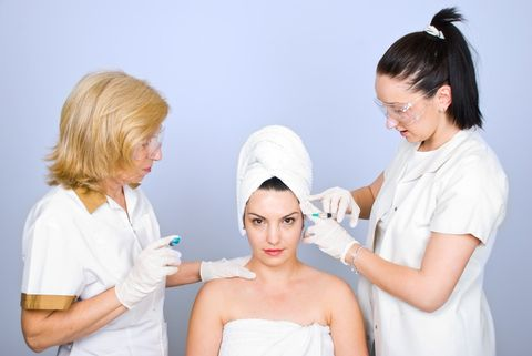 Are Non-Surgical Treatments in the UK The New Norm? It is almost impossible to turn a page in a magazine, or browse the web for showbiz gossip, without coming face to face with seemingly flawless looking celebrities. increase in the number of professional accredited clinics and beauty services now offering non-surgical procedures. http://www.millsmedicalservices.co.uk/#!Are-NonSurgical-Treatments-in-the-UK-The-New-Norm/c135q/4A292B3B-5407-4428-BFE9-CFA053FC954A