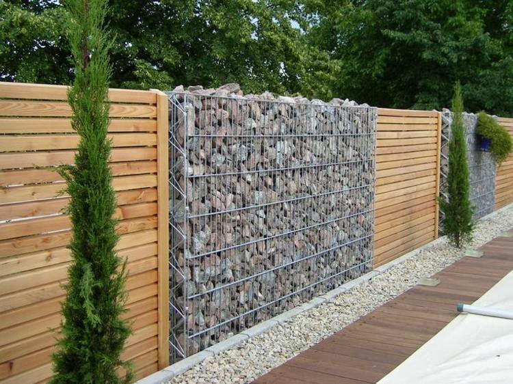 Gartenzaun Sichtschutz aus Stein und Holz  Garten und
