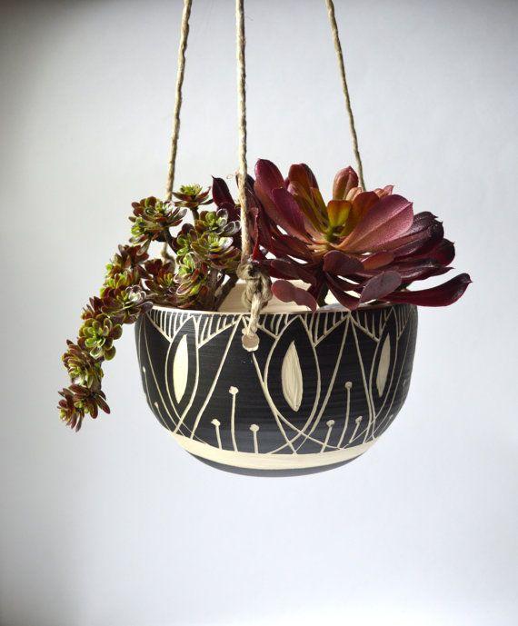 A R T D E C O Jardinera Colgante Ceramica Tribal Ruedas - Jardinera-colgante