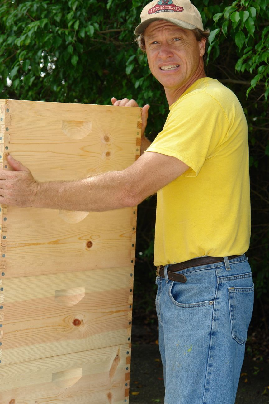 Bee Understanding have donated over 500 hives since 2010 to promote back yard beekeeping for novice beekeepers.