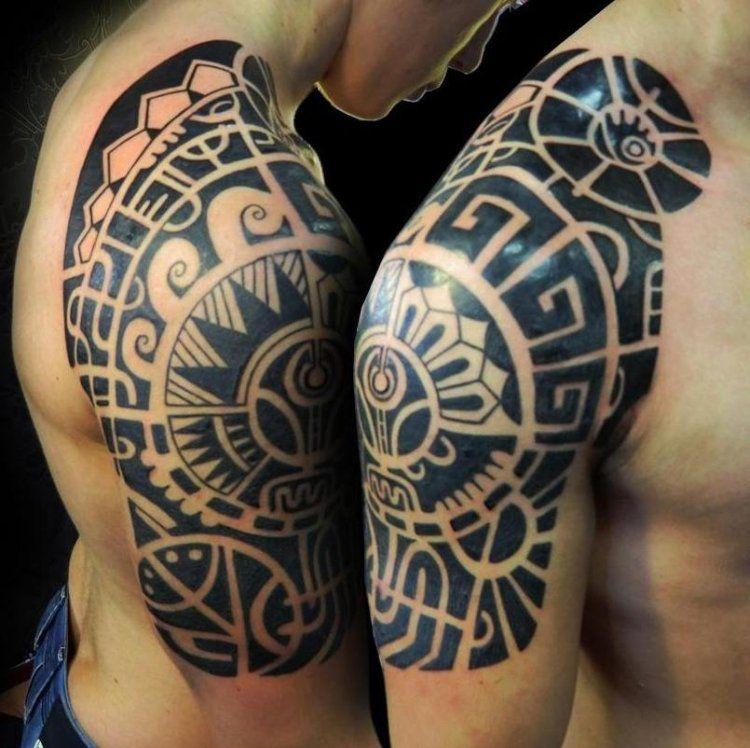maori tattoos am oberarm und r cken tatuajes de manga. Black Bedroom Furniture Sets. Home Design Ideas