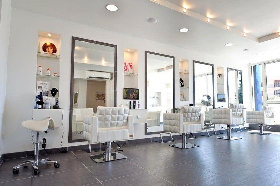 Salon De Coiffure Moderne A Lyon En 2020 Decoration Salon De Coiffure Decoration Salon Salon De Coiffure