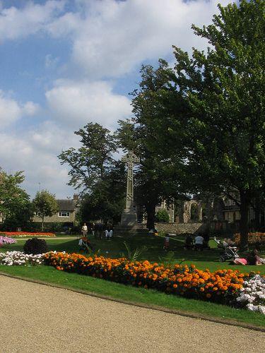 The Cross in Forbury Gardens in 2020 | Reading berkshire ...