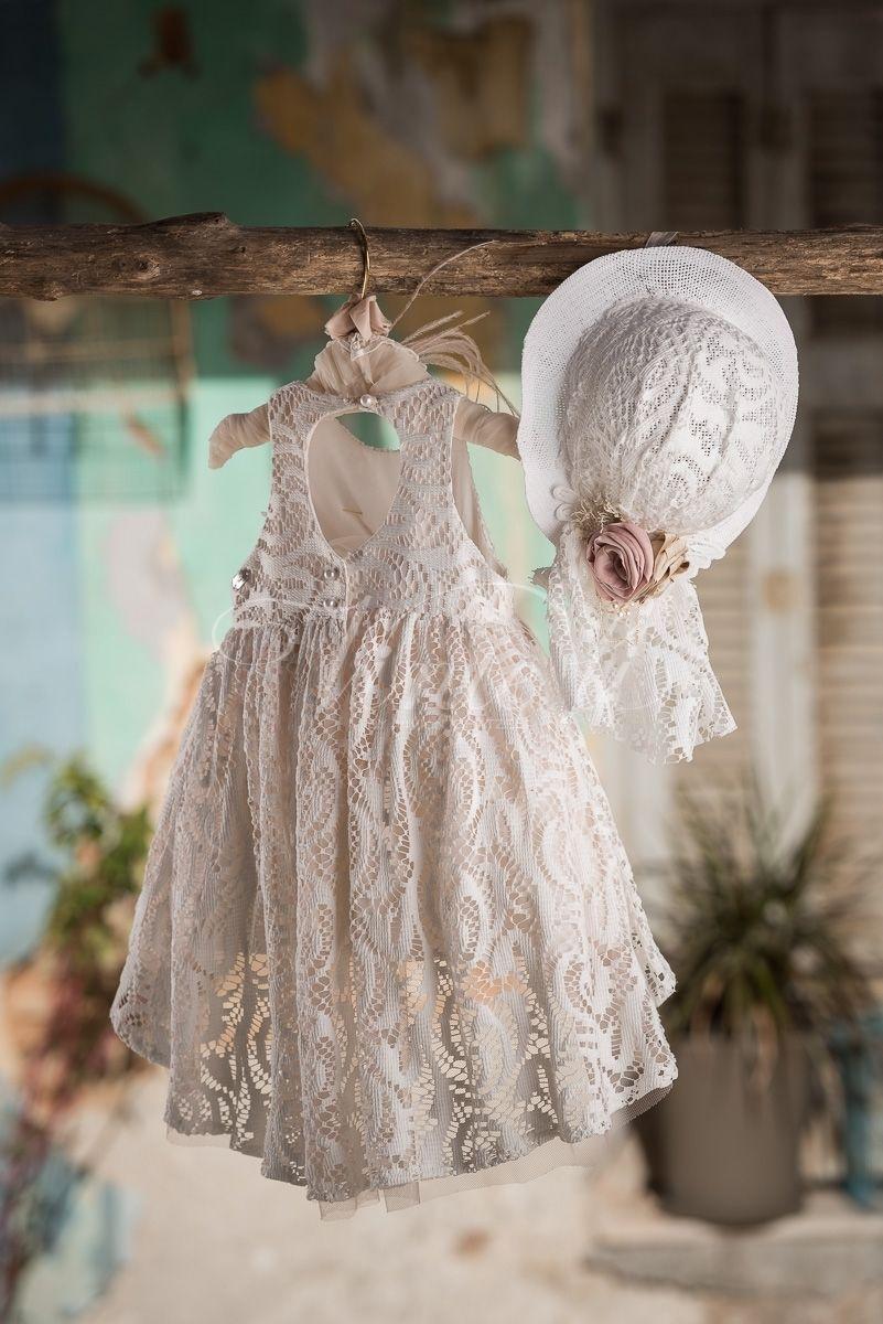 0662df418ffd Φόρεμα βάπτισης Vinte Li 2704 με ασορτί ψάθινο καπέλο, annassecret,  Χειροποιητες μπομπονιερες γαμου,