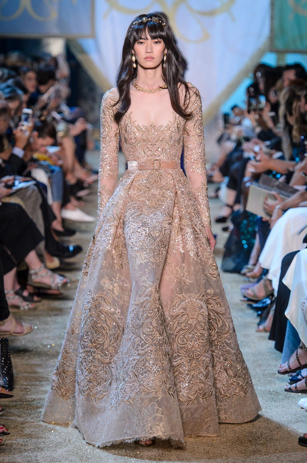 Elie Saab Definitely Watched Game Of Thrones Before Designing The Fall 2017 Haute Couture Collection Elie Saab Couture Couture Fashion Couture Dresses