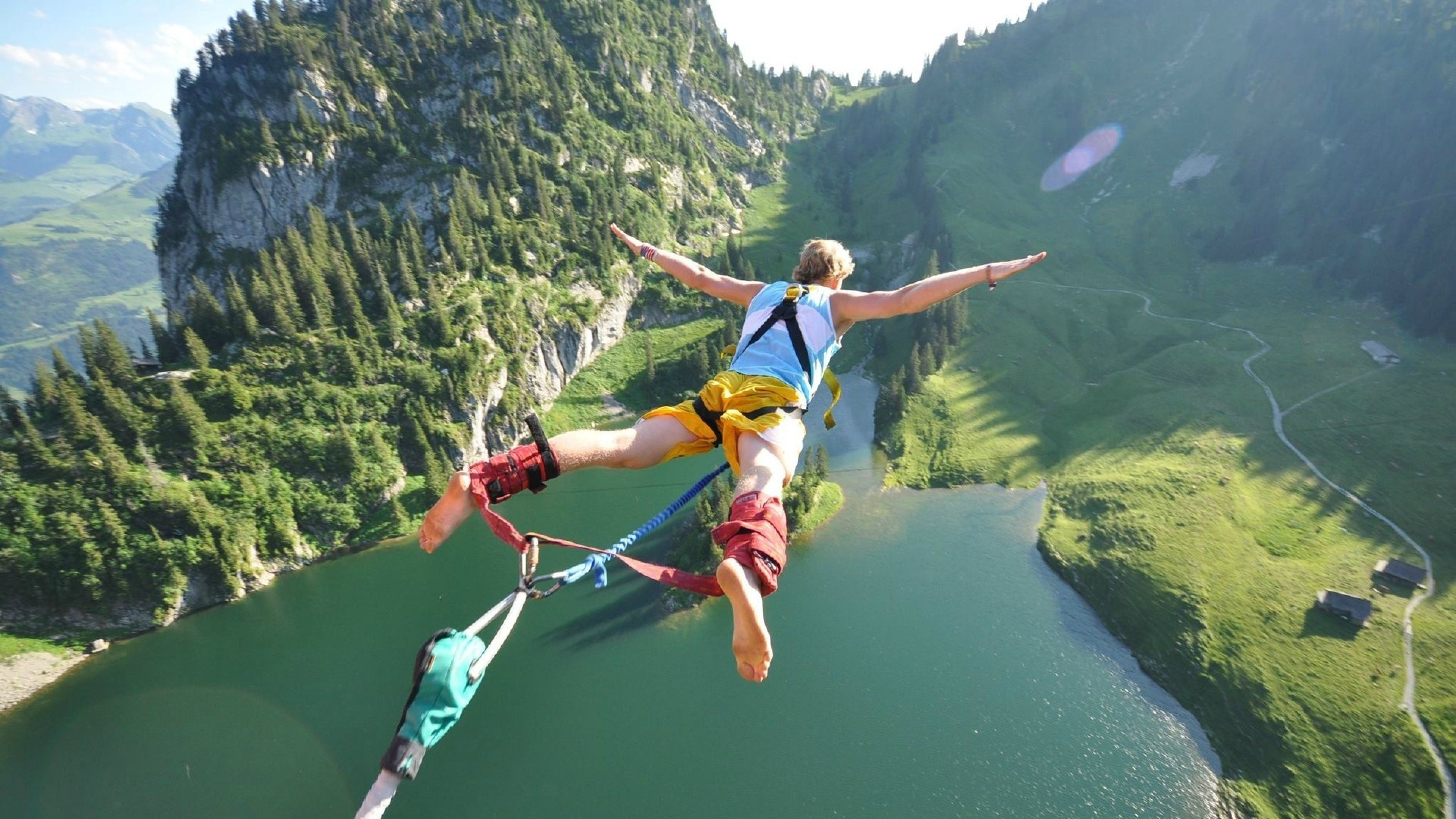 3840x2160 Wallpaper jump, flight, height, extreme, fear, danger ...