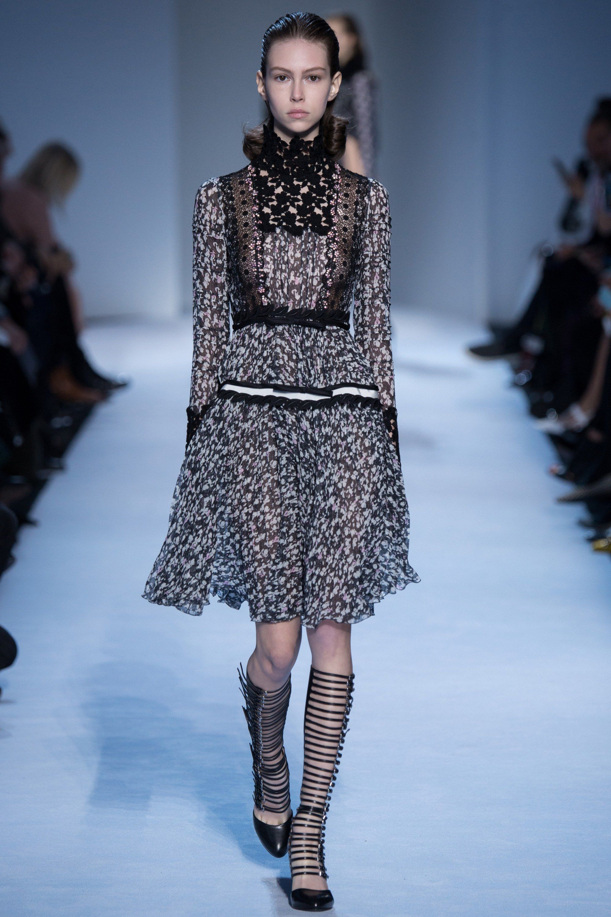 I love this Whole collection! Giambattista Valli Fall 2016 Ready-to-Wear Fashion Show Fashion Show Review