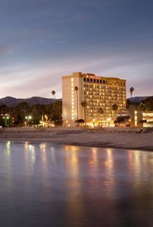 Crowne Plaza Ventura Beach Hotel Exterior Our July Vacation Can T Wait For Some Time
