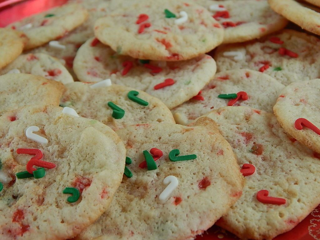Mini candy cane crunch cookies – Drizzle Me Skinny!