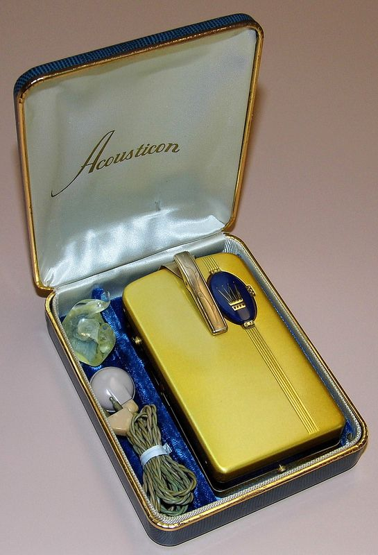 Vintage Acousticon Model A-160 Vacuum Tube (Body) Hearing Aid, Made In USA, Circa 1949.