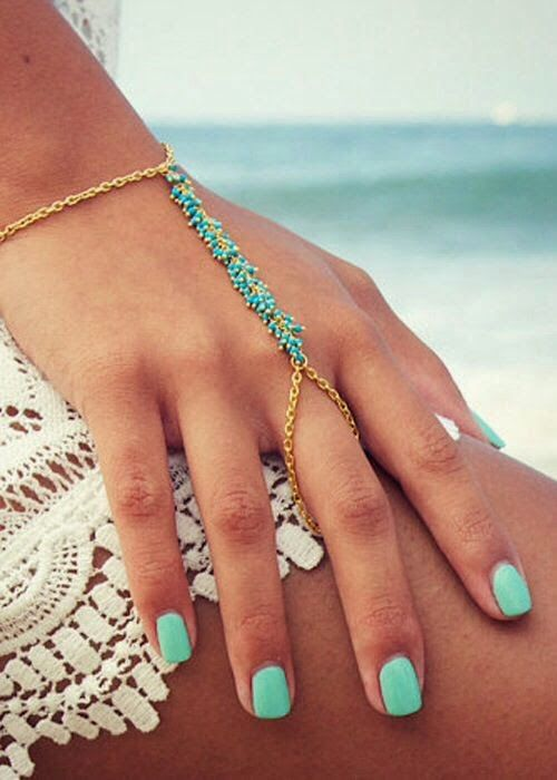 How to Chic: BOHO HANDPIECE