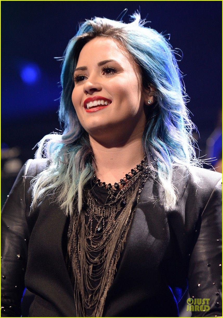 Demi Lovato Performs at Y100's Jingle Ball 2013! demi