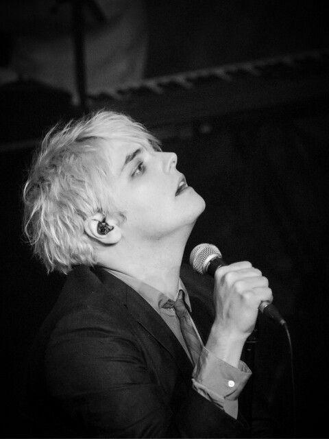 ✧ Gerard Way ✧