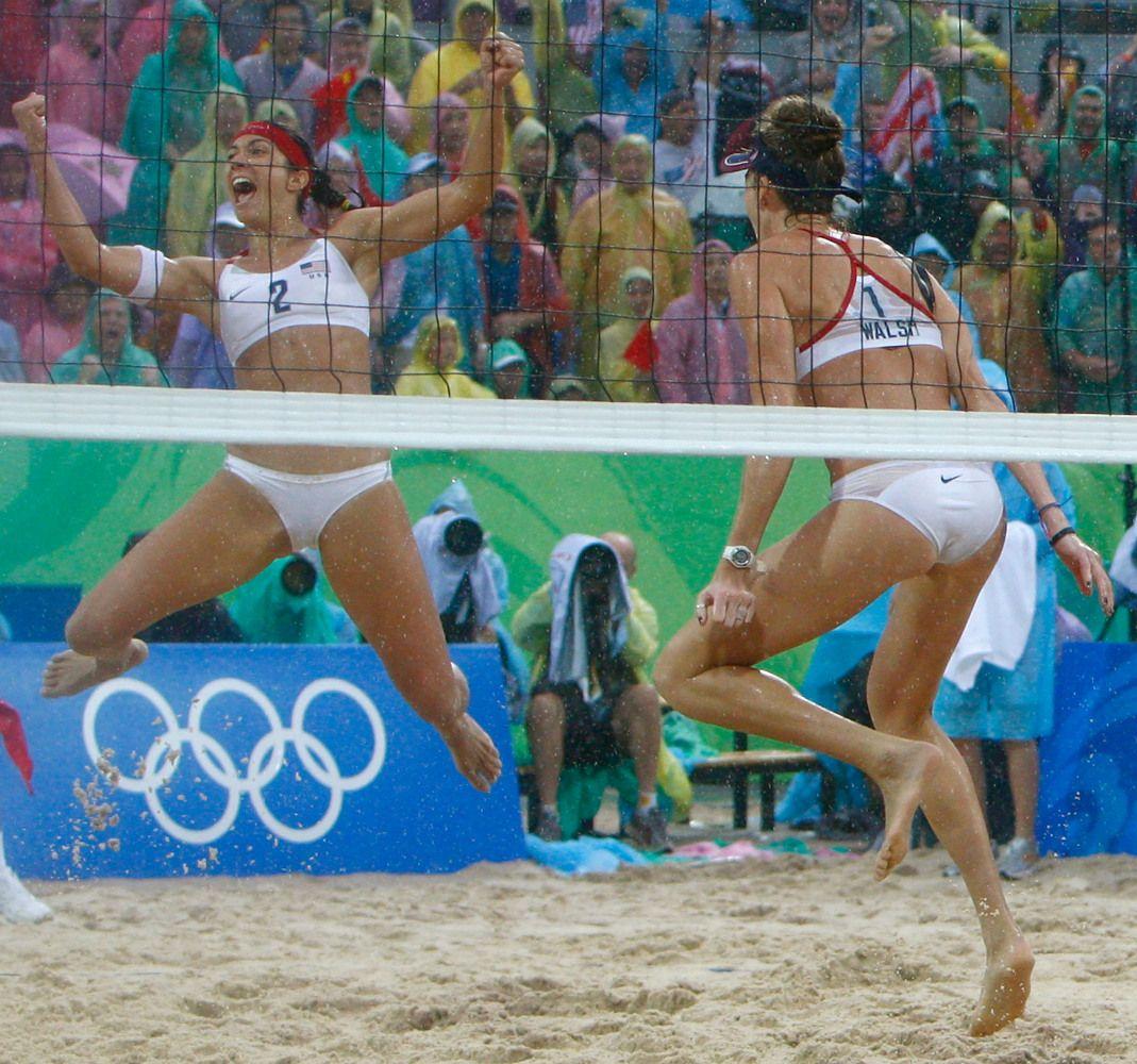 Usa Women S Beach Volleyball Players Misty May Treanor Kerri Walsh Jennings Winning Gold China 2008 Beach Volleyball Misty May Treanor Summer Olympic Games
