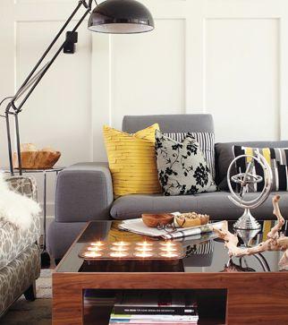 Salon gris avec touche jaune moutarde   Déco   Pinterest   Salons ...