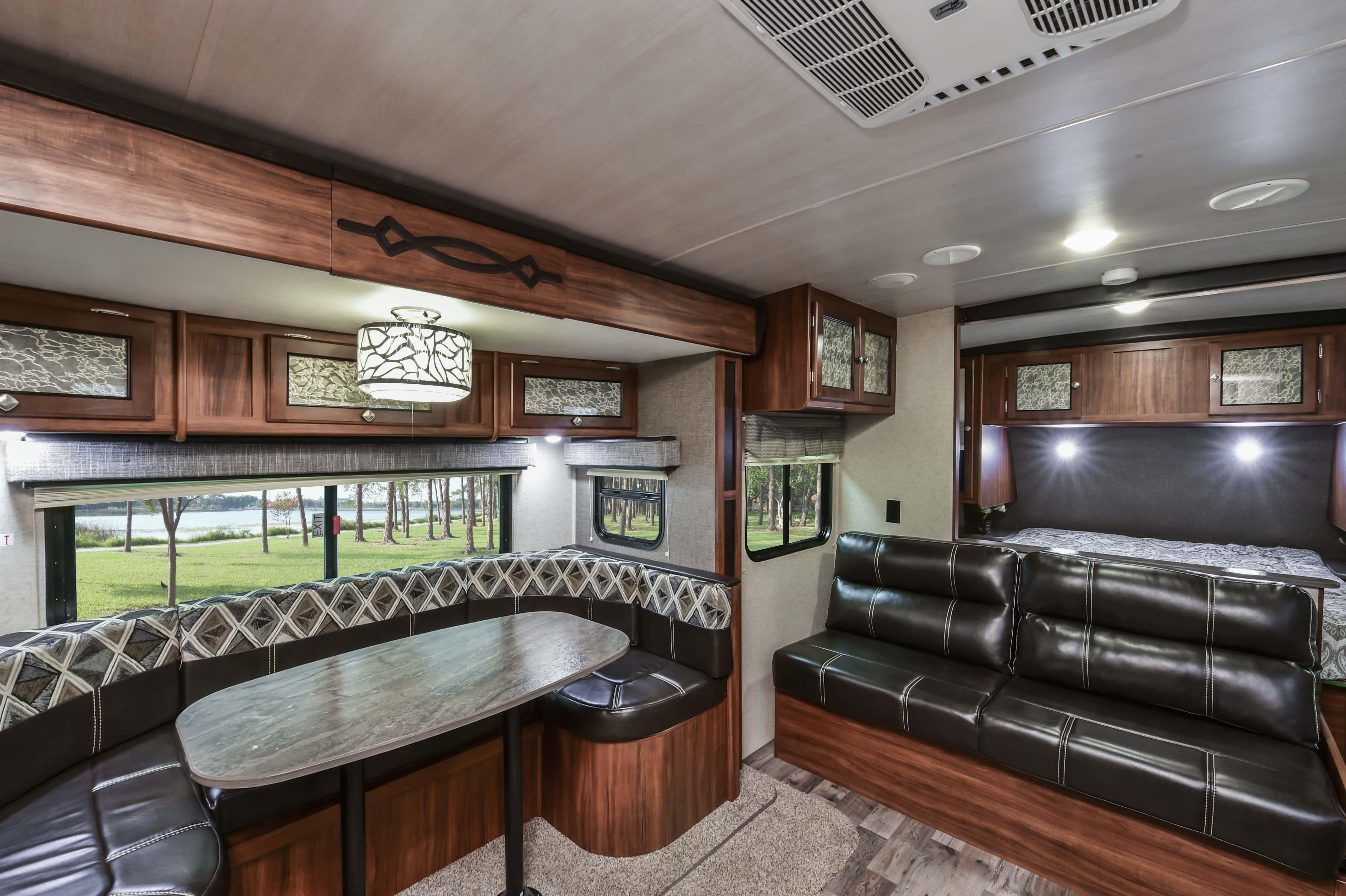 WD 2450 FB Lightweight travel trailers, Wilderness