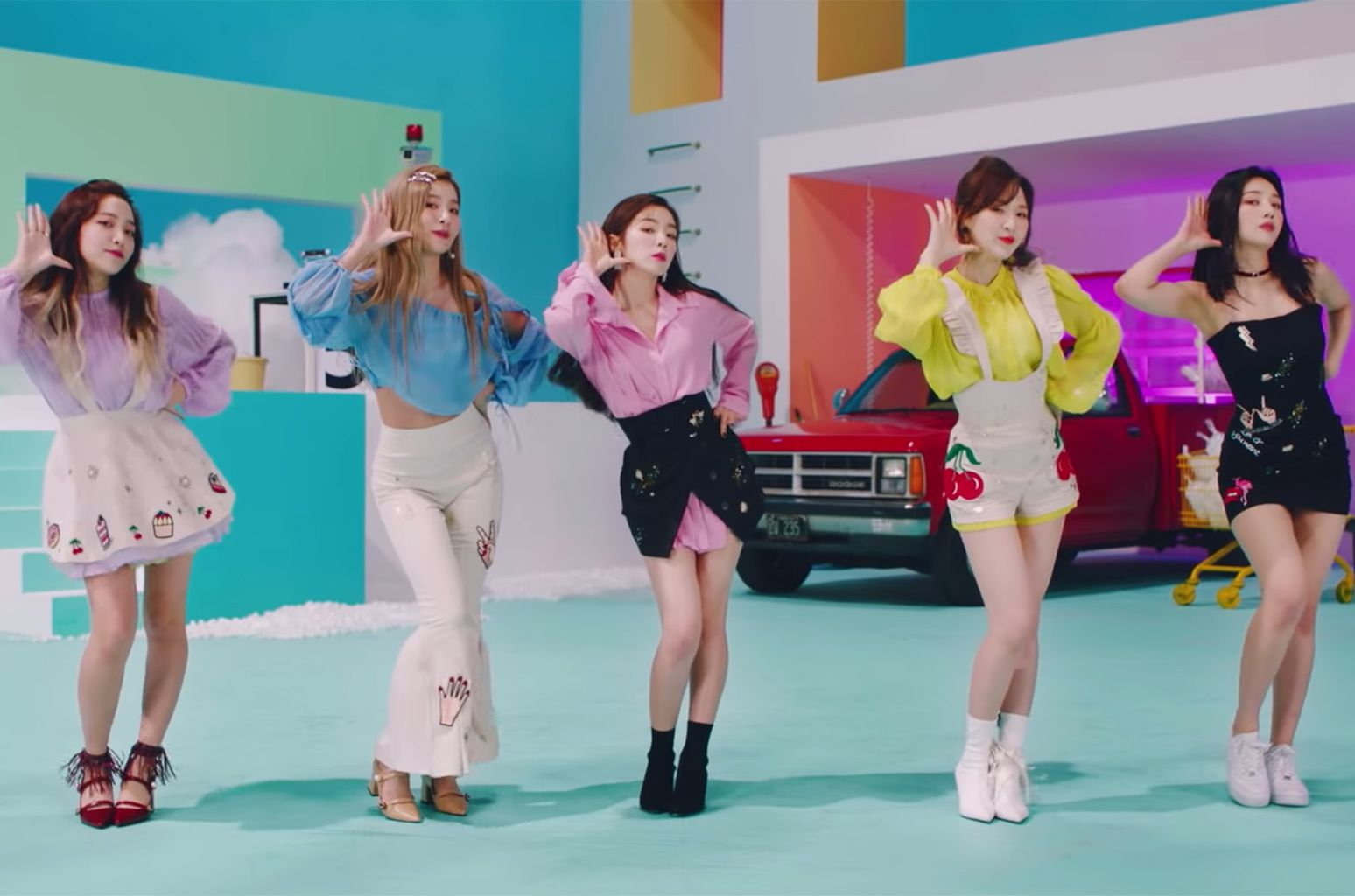 K Pop Girl Group Red Velvet Released Their Second Japanese Single Sappy On Sunday Billboard At Kpop Red Velvet Photoshoot Red Velvet Joy Red Velvet