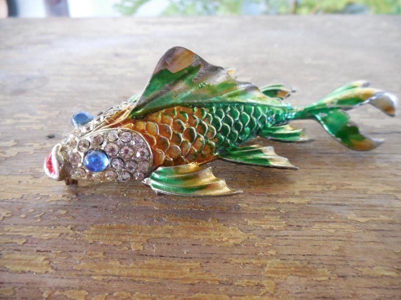 Vintage Enamel & Rhinestone Swimming Fish Trembler Pin Brooch #Unsigned