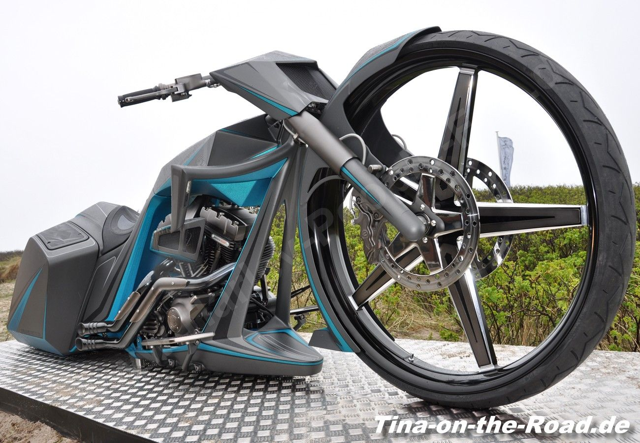 "First 32"" Frontwheel Bagger in Europe"