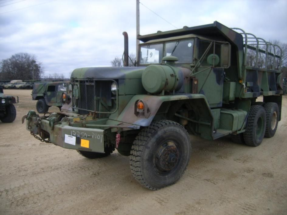 M817 Truck Dump 5 Ton 6x6 With Winch Five Cubic Yard Capacity Powered By A Cummins Nhc 250 6 Cylinder Naturally Asp Trucks Cool Trucks Surplus Auction