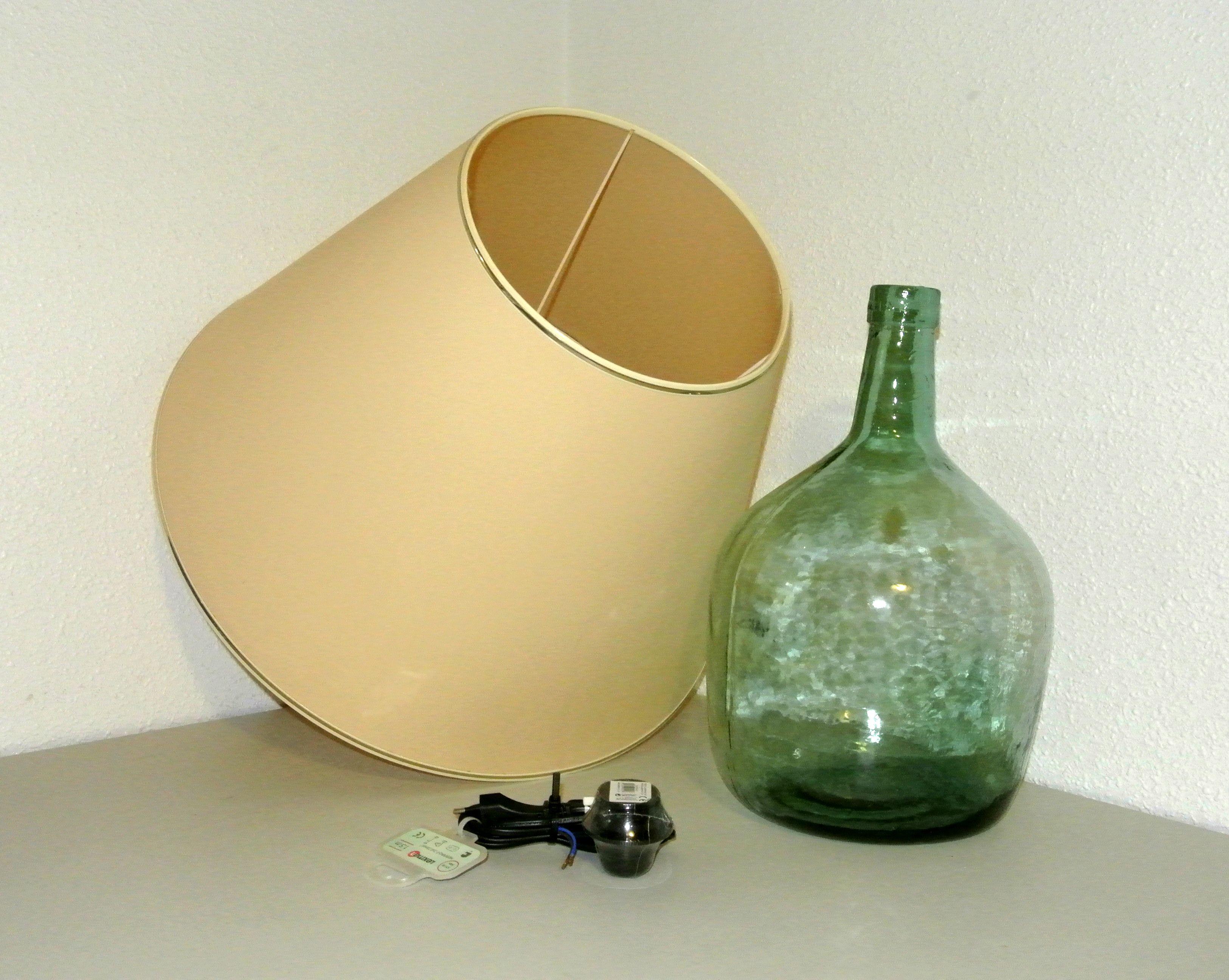 Como hacer una lampara con una botella materiales craft - Como hacer una lampara de mesa ...