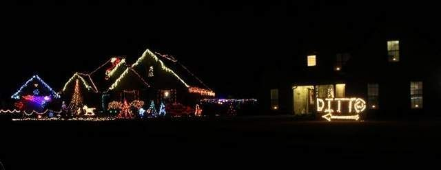West Tn Man S Ditto Christmas Lights A Hit Holiday Lights New York Christmas Xmas Lights