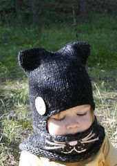 This is a knitting pattern for simple earflap cat hat and cowl set. Easy to knit with basic k and p stitches, worked in round. This will make a wonderful gift for your loved one. Perfect to wrap up those cold autumn and winter days and look cute.