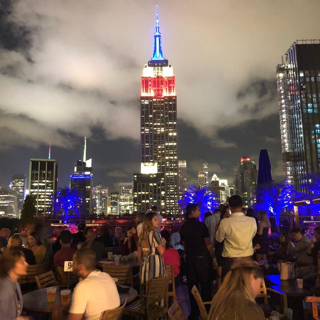 20 Hotels And Rooftop Bars With A View Of The Empire State