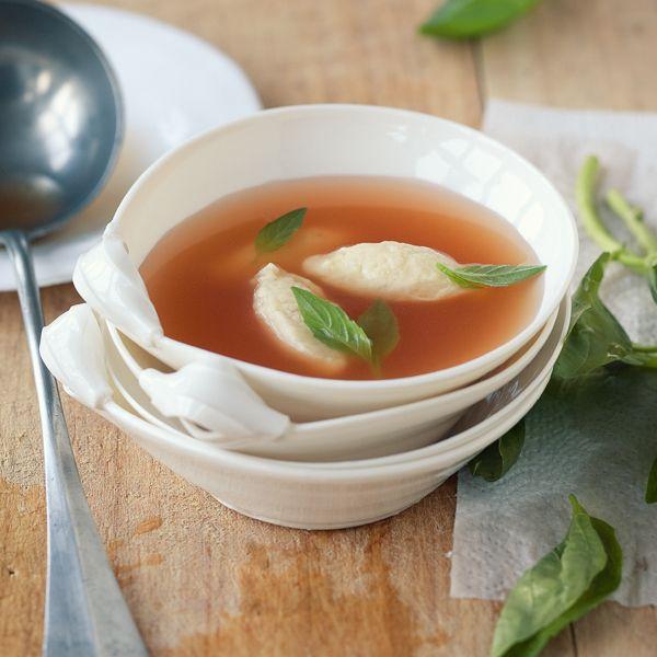 die besten 25 klare suppen sommer ideen auf pinterest kalte suppen rezepte sommer kalte. Black Bedroom Furniture Sets. Home Design Ideas