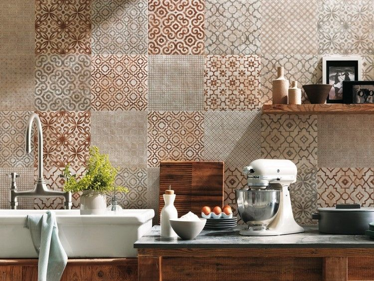 carrelage mural salle de bain à effet patchwork façon carreaux de