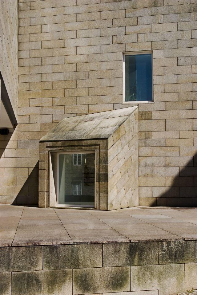 Centro galego de arte contempor nea lvaro siza 1993 santiago de compostela lvaro siza - Arquitectos santiago de compostela ...