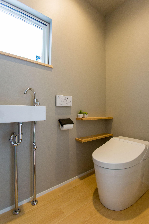 House おしゃれまとめの人気アイデア Pinterest Kanako トイレ おしゃれ トイレ 壁紙 グレー トイレのアイデア