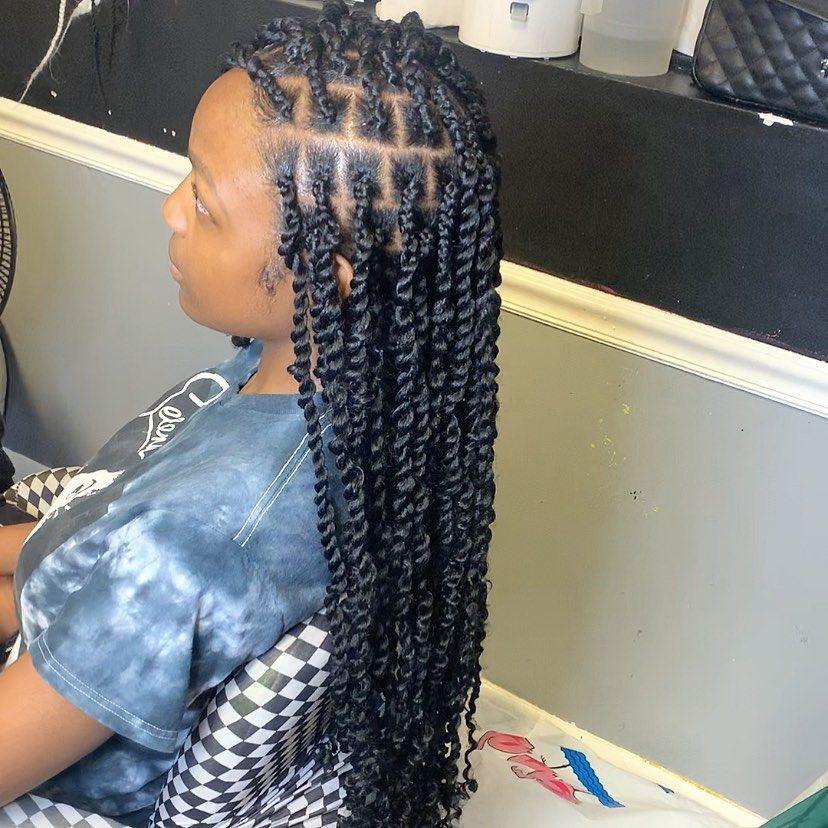 Medium Passion twist  Hair included  Have You book yet ?  natural long lasting protective style  #explore  #miamistylists #braidstylist #braidsmiami #braidseason #braidsforgirls #plaits #braid #braidsbyme #plaitsmiami #plaitsonfleek #poeticjusticeplaits #poeticjusticebraids #braidstylesforgirls #braidsstyles #braidshair #braidsgoals #braidslayer #braidsstyle #boxbraids #miami #miamibraider #kidsbraider #browardbraider #fortlauderdalebraider #booknow #bookyourappointment #passiontwists #passiontw #passiontwistshairstylelong