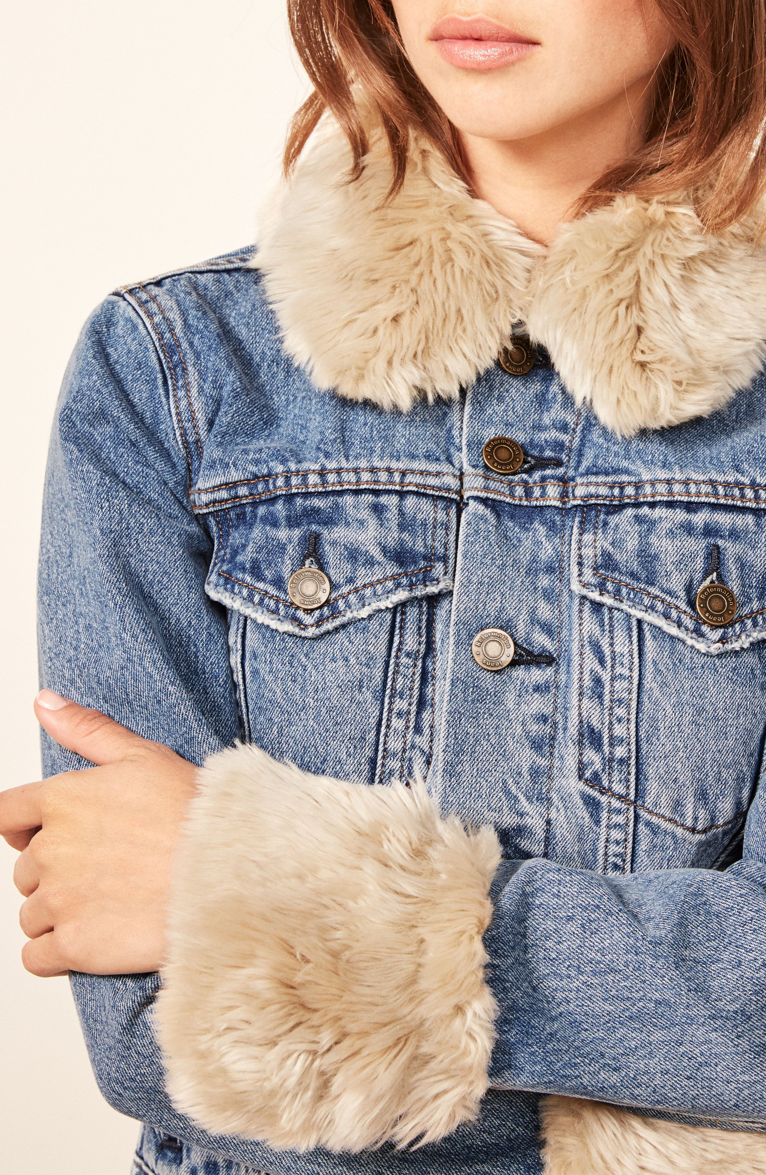 Reformation Aussie Faux Fur Trim Denim Jacket Jeansjacke Mit Fell Tuch [ 4048 x 2640 Pixel ]