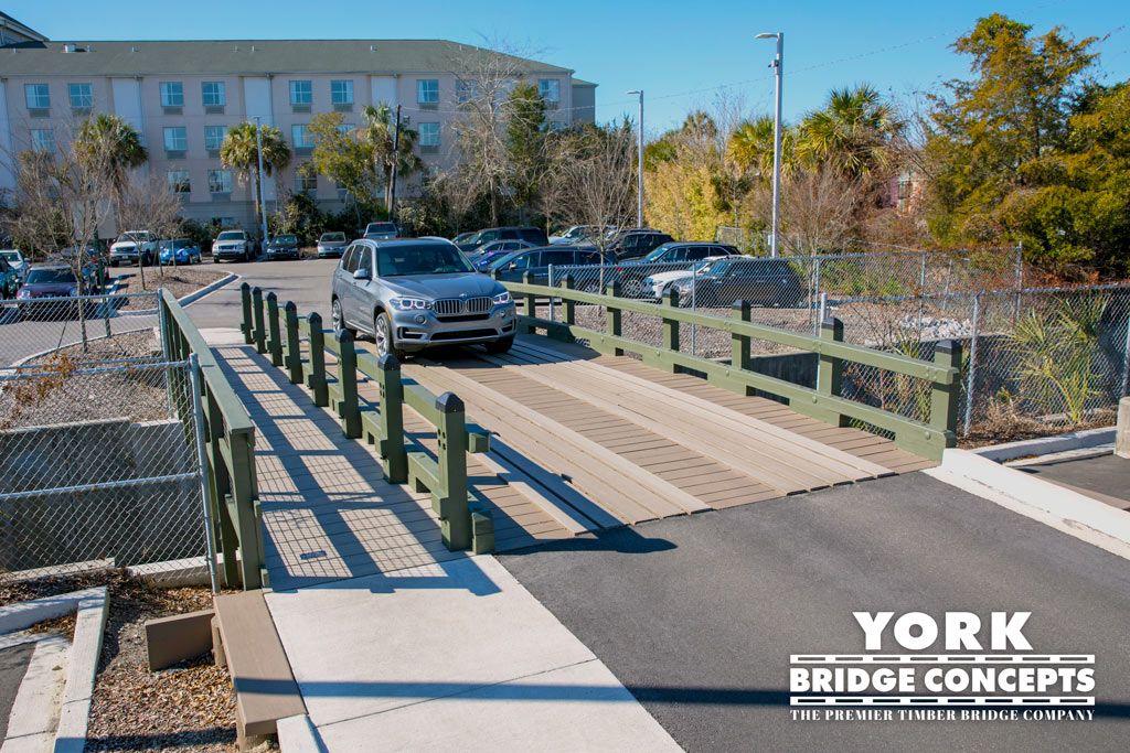 Vehicular Bridge Gallery Forest house, Bridge builder