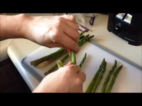 How To Trim Asparagus No Knife Needed Asparagus How To Cook Asparagus Lemon Sauce